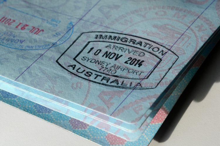 Jak wyjechać do Australii – wizy.